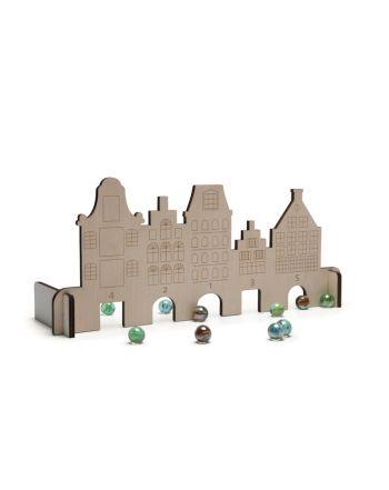 Παιχνίδι με Μπίλιες, Marble House